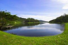 σιωπή θέσεων φύσης τοπίων λιμνών ψαράδων ομορφιάς στοκ εικόνες
