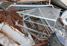 σιδηρούχος υλική κατάθεση σε υλικά οδόστρωσης στοκ φωτογραφίες