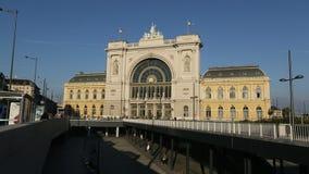 Σιδηροδρομικός σταθμός της Βουδαπέστης Keleti (ουγγρικά: Βουδαπέστη Keleti palyaudvar) απόθεμα βίντεο