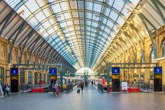 Σιδηροδρομικός σταθμός του ST Pancras βασιλιάδων διαγώνιος Στοκ Φωτογραφίες