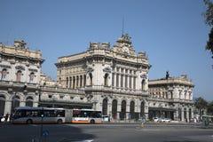 Σιδηροδρομικός σταθμός Brignole στη Γένοβα Ιταλία στοκ εικόνα με δικαίωμα ελεύθερης χρήσης
