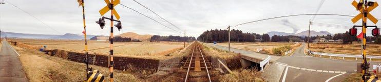Σιδηρόδρομος πανοράματος στην πόλη Aso, Kyushu, Ιαπωνία, χειμώνας Στοκ Φωτογραφίες