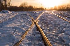Σιδηρόδρομος στις ακτίνες ηλιοβασιλέματος Στοκ φωτογραφίες με δικαίωμα ελεύθερης χρήσης