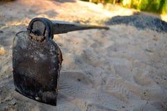 σκάβοντας φτυάρι Στοκ φωτογραφίες με δικαίωμα ελεύθερης χρήσης