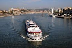 σκάφη γεφυρών elisabeth κάτω Στοκ φωτογραφίες με δικαίωμα ελεύθερης χρήσης