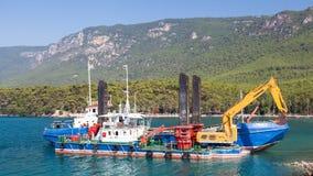 Σκάφη για την εκβάθυνση Στοκ φωτογραφία με δικαίωμα ελεύθερης χρήσης