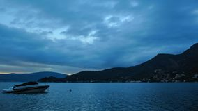 Σκάφη και βάρκες στον κόλπο Kotor φιλμ μικρού μήκους