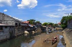 Σκάφη, καλύβες, ποταμός στοκ εικόνες με δικαίωμα ελεύθερης χρήσης