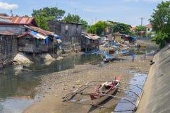 Σκάφη, σπίτια, ποταμός στοκ φωτογραφία με δικαίωμα ελεύθερης χρήσης