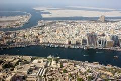 Σκάφη στον ποταμό κολπίσκου του Ντουμπάι Στοκ φωτογραφίες με δικαίωμα ελεύθερης χρήσης