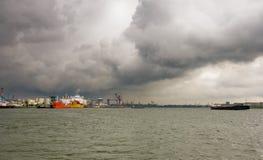 σκάφη σύννεφων στοκ εικόνες με δικαίωμα ελεύθερης χρήσης