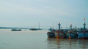 Σκάφη Mekong στο δέλτα φιλμ μικρού μήκους