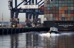 Σκάφος εμπορευματοκιβωτίων Καλιφόρνιας Hanjin Στοκ φωτογραφία με δικαίωμα ελεύθερης χρήσης