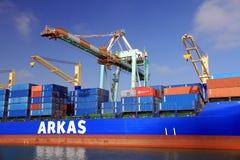 Σκάφος εμπορευματοκιβωτίων Cincia Α που ελλιμενίζεται στο τερματικό εμπορευματοκιβωτίων Στοκ φωτογραφία με δικαίωμα ελεύθερης χρήσης