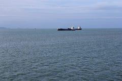 Σκάφος, θάλασσα και ουρανός Στοκ Εικόνες