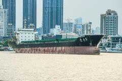 σκάφος λιμένων του Αμβούργο φορτίου δραστηριοτήτων Στοκ Εικόνα