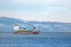 σκάφος λιμένων του Αμβούργο φορτίου δραστηριοτήτων Στοκ εικόνα με δικαίωμα ελεύθερης χρήσης