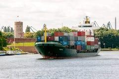 σκάφος λιμένων του Γντανσκ Πολωνία εμπορευματοκιβωτίων Στοκ εικόνες με δικαίωμα ελεύθερης χρήσης