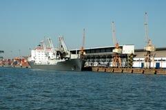 σκάφος λιμένων του Γντανσκ Πολωνία εμπορευματοκιβωτίων Στοκ Εικόνες