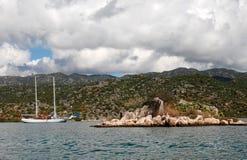 Σκάφος και θάλασσα Kalekoy Simena, Lycia στοκ εικόνα
