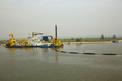 Σκάφος κατασκευής λιμένων Στοκ Φωτογραφίες