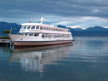 σκάφος λιμνών κρουαζιέρα&s Στοκ Φωτογραφία