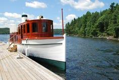 σκάφος λιμνών κόλπων Στοκ Φωτογραφία