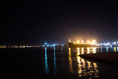 Σκάφος νύχτας στη θάλασσα Στοκ Εικόνα