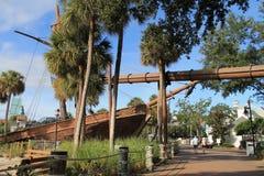 Σκάφος πειρατών από το φυσικό περίπατο στο θέρετρο της Disney Στοκ φωτογραφία με δικαίωμα ελεύθερης χρήσης