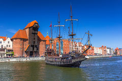 Σκάφος πειρατών στον ποταμό Motlawa στο Γντανσκ Στοκ Εικόνα