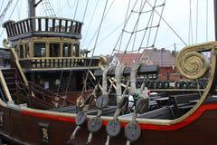Σκάφος πειρατών στο λιμένα Στοκ Φωτογραφία