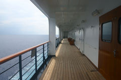 σκάφος περιπάτων κρουαζ&io Στοκ εικόνα με δικαίωμα ελεύθερης χρήσης