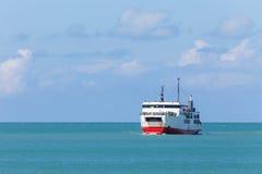 Σκάφος πορθμείων στη θάλασσα Στοκ Εικόνα