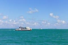 Σκάφος πορθμείων στη θάλασσα Στοκ εικόνες με δικαίωμα ελεύθερης χρήσης