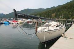 Σκάφος που ελλιμενίζεται στη λίμνη Όρεγκον στο Ντιτρόιτ στοκ εικόνες με δικαίωμα ελεύθερης χρήσης