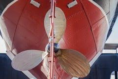 Σκάφος ρυμουλκών του Hull λεπίδων προωστήρων ορείχαλκου Στοκ Εικόνα