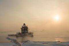 Σκάφος στην ομίχλη Στοκ Εικόνα