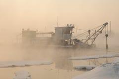 Σκάφος στην ομίχλη Στοκ φωτογραφία με δικαίωμα ελεύθερης χρήσης