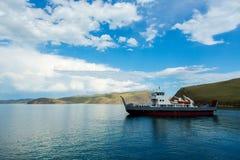 Σκάφος στη λίμνη Baikal Στοκ φωτογραφία με δικαίωμα ελεύθερης χρήσης