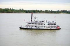 Σκάφος στο ποτάμι Μισισιπή στοκ φωτογραφίες