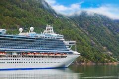 Σκάφος στο φιορδ Geiranger - Νορβηγία Στοκ Εικόνες