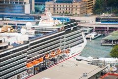 Σκάφος της γραμμής κρουαζιέρας πολυτέλειας Στοκ Φωτογραφίες