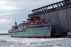 σκάφος της γραμμής που κ&alpha Στοκ φωτογραφία με δικαίωμα ελεύθερης χρήσης