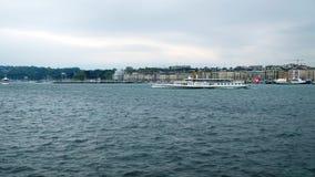 Σκάφος τουριστών στη λίμνη της Γενεύης, απόθεμα βίντεο