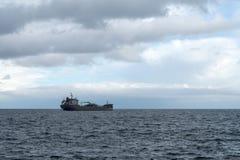 Σκάφος φορτίου εν πλω Στοκ Εικόνες