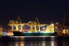 Σκάφος φορτίου φορτίου εμπορευματοκιβωτίων Στοκ Φωτογραφίες