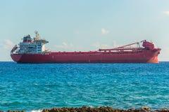 Σκάφος φορτίου Argo στην καραϊβική θάλασσα Μεταφορά φορτίου Στοκ Εικόνες