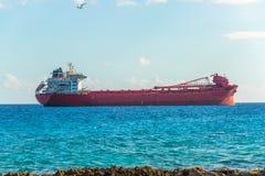 Σκάφος φορτίου Argo στην καραϊβική θάλασσα Μεταφορά φορτίου Στοκ Φωτογραφίες
