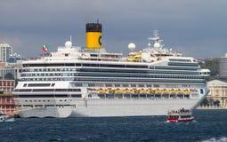 σκάφος luminosa κρουαζιέρας πλευρών Στοκ εικόνες με δικαίωμα ελεύθερης χρήσης