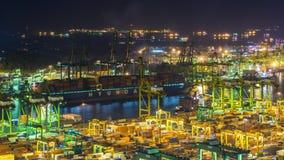 Σκάφος Timelapse λιμένων της Σιγκαπούρης μεγάλο τη νύχτα απόθεμα βίντεο